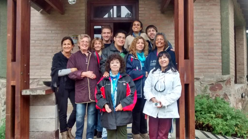 (De izquierda a derecha) Abajo: Mercedes y Noelia. Medio: Rosita, Monique, Graciela, Nacho, Celeste y Ofelia. Arriba: Seba, Bader y Pablo.